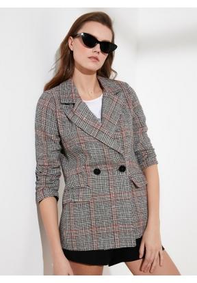TRENDYOLMİLLA Gray Checkered Blazer..