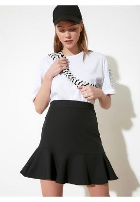 TRENDYOLMİLLA Black Ruffle Skirt fo..