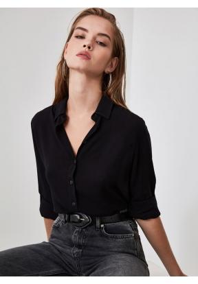 TRENDYOLMİLLA Black Basic Shirt for..