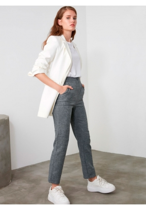 TRENDYOLMİLLA Gray Basic Trousers f..