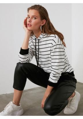 TRENDYOLMİLLA White Striped Basic K..