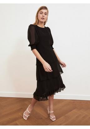 TRENDYOLMİLLA Black Ruffle Dress fo..