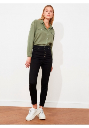 TRENDYOLMİLLA Black Front Buttoned ..